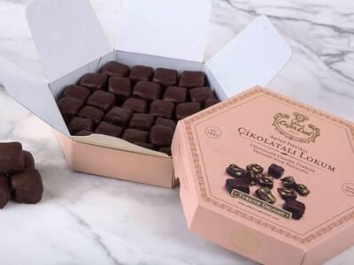 Altıgen Kutuda Çikolata Kaplı Antep Fıstıklı Lokum