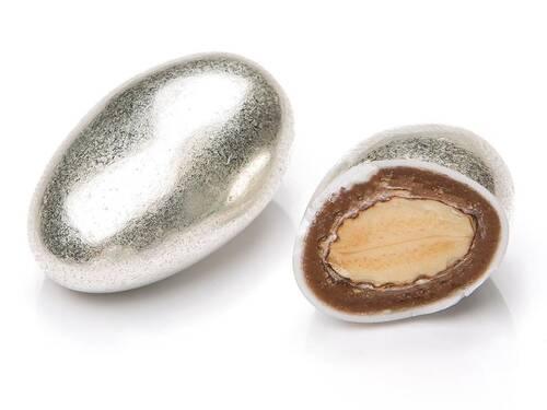 Parlak Gümüş Renkli Çikolata Kaplı Badem Draje