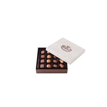 - Spesiyal 16'lı Beyaz Tay Tüyü Kutu Çikolata