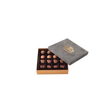 - Spesiyal 16'lı Gri Tay Tüyü Kutu Çikolata