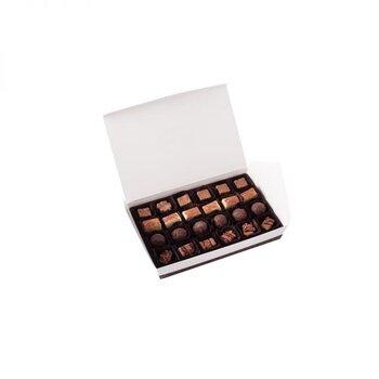 - Spesiyal 24'lü Beyaz Kutu Çikolata
