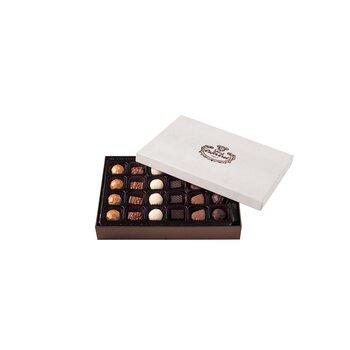- Spesiyal 24'lü Beyaz Tay Tüyü Kutu Çikolata